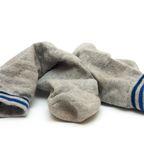 Mann bekommt Lungeninfektion, weil er an Socken schnüffelt.