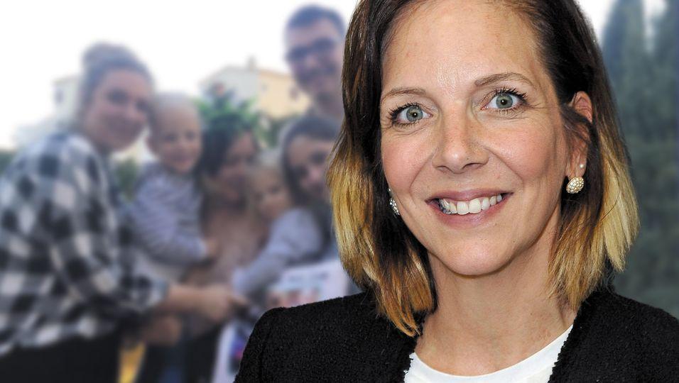 Arm in Arm mit all ihren Kindern: So einen Familienschnappschuss gab es noch nie!