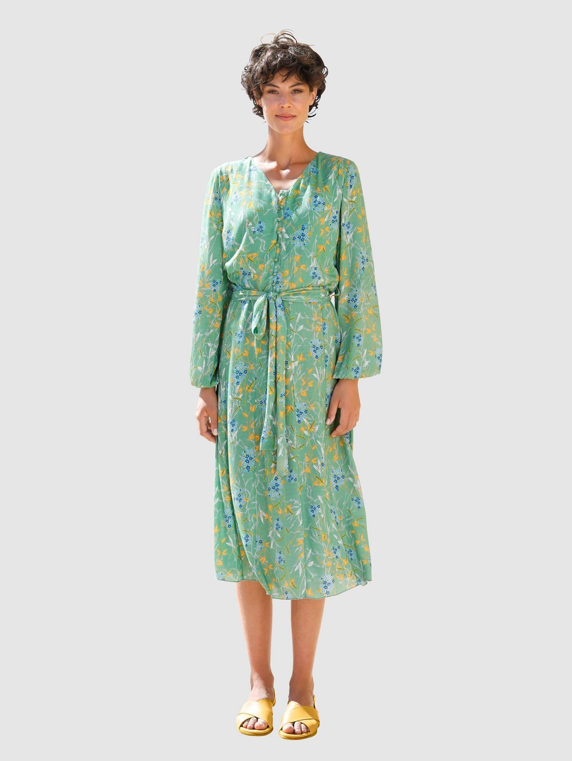 Aussehen wie ein Royal ist mit diesem Kleid von Otto ganz einfach