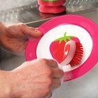 Spülbürsten lassen sich am besten in der Spülmaschine reinigen.