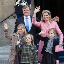 Königin Maxima der Niederlande mit ihrer Familie