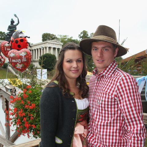 Die Freundin von Toni Kroos arbeitet in der Touristik-Branche. Seit 2008 sind Jessica und der Fußballer ein Paar.