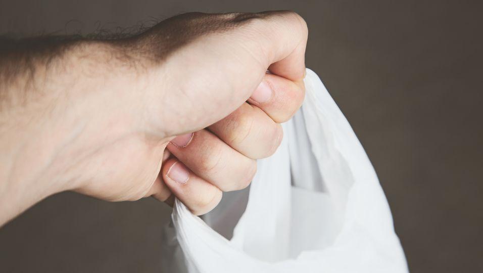 Darum kommt die Bio-Plastiktüte nicht in den Biomüll.