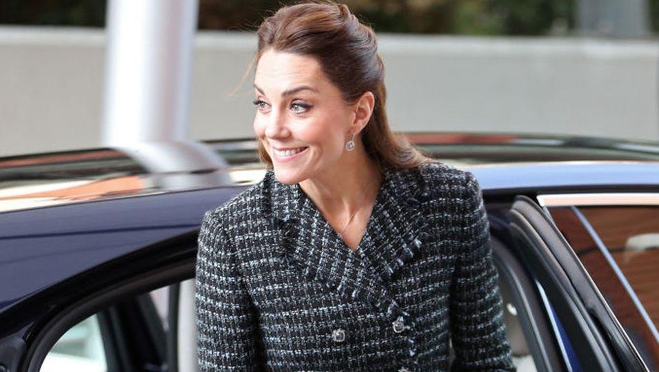 Kate ohne Ring Main
