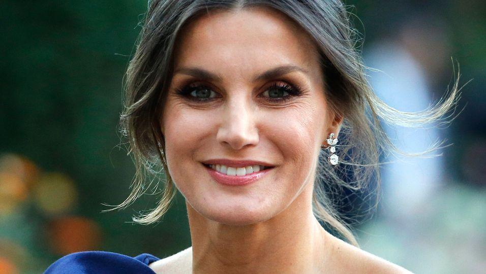 Wunderschöner Make-up-Wandel: Sie überzeugt durch Natürlichkeit