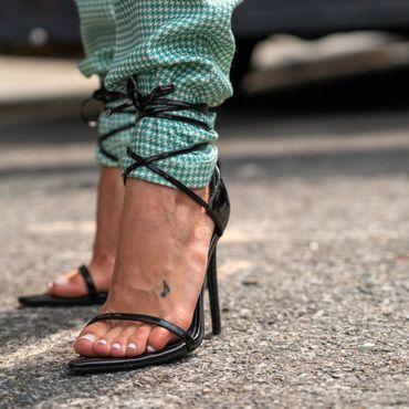 Verticals-Fashion-90s-Heels