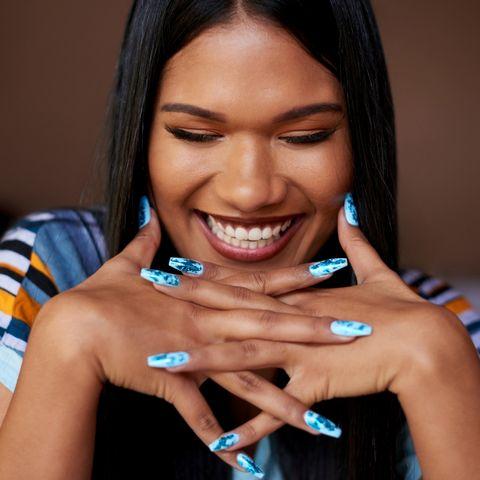 Getestet: 4 Nagelfolien, die sich wirklich lohnen