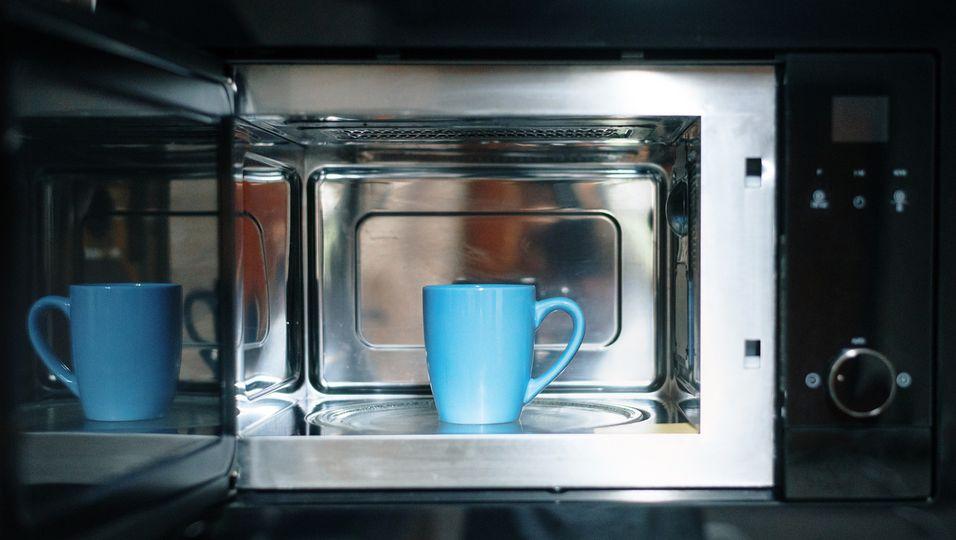Tasse in der Mikrowelle