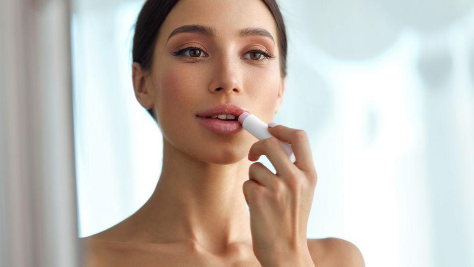 Dieser Lippenstift mit Hyaluronsäure zaubert dir den perfekten No Make-up-Look