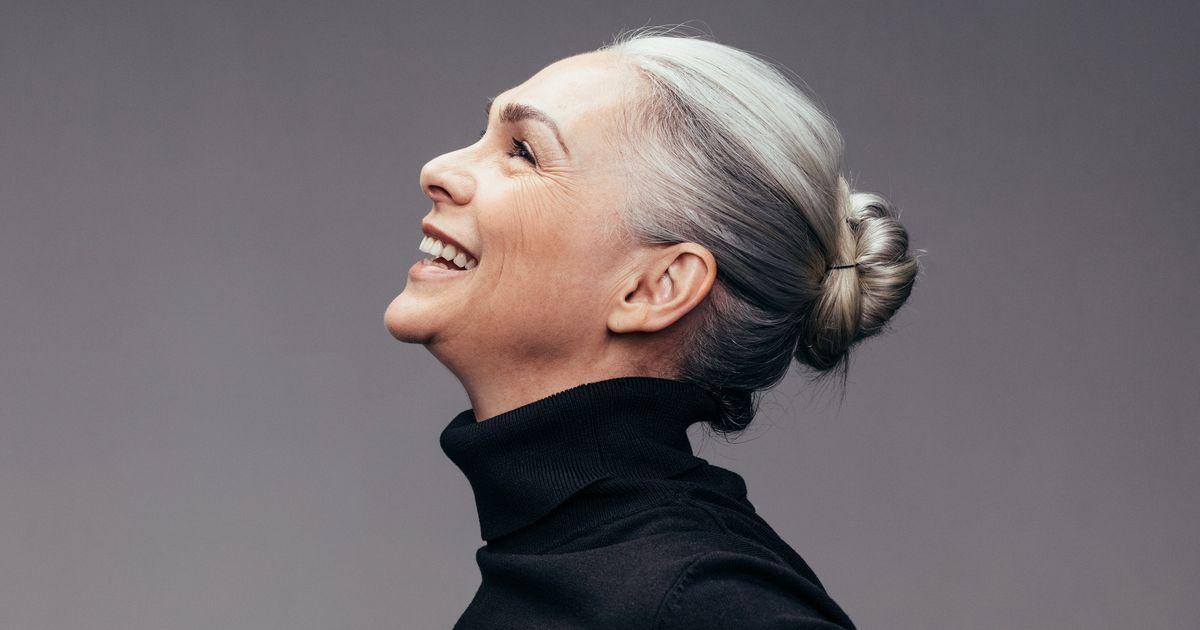 Graue Haare: Färben oder nicht? Wir lieben den Granny-Style!