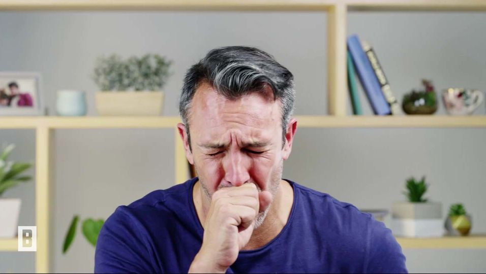 Grippe & Erkältung: Vermeiden Sie diese Fehler beim Husten!