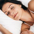 Schlaf-Falten vorbeugen