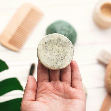 Dieses Gadget revolutioniert die Aufbewahrung von festem Shampoo