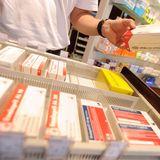 Damit das Finanzamt den Abzug der Arzneikosten akzeptiert, sollten Steuerzahler ihrer Steuererklärung ein grünes oder rosafarbenes Rezept beifügen.