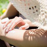 Gute Sonnencreme muss nicht teuer sein - das ergab eine Untersuchung der Zeitschrift «Öko-Test».