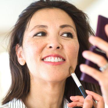Mit dieser Foundation gelingt dir der No-Make-up-Look für reife Haut