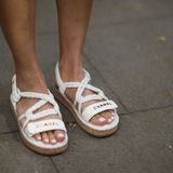 Sandalen-Saison eröffnet: Für samtig weiche Füße sorgt jetzt diese Creme