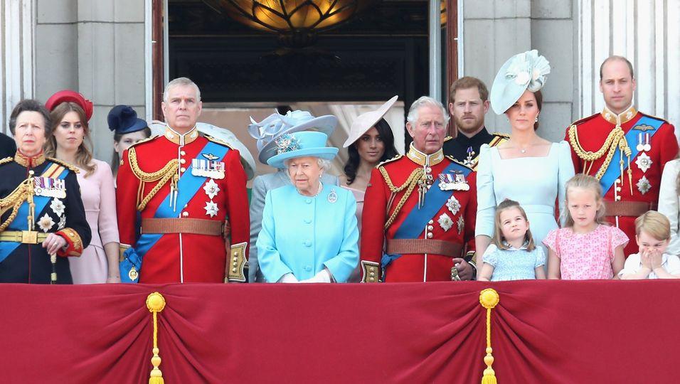 Events, Privatflüge & Angestellte: Dafür geben die Royals Millionen aus!