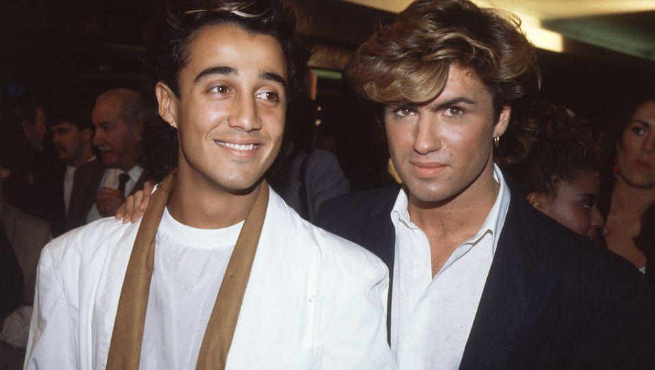 Die englischen Popstars Andrew Ridgeley und George Michael von 'Wham' auf der Filmpremiere von 'Dune' 1984.