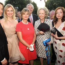 2010 (v.l.): Christian Elsen, Jette Joop, Fürstin Gloria, Andreas Graf von Hardenberg, Isa Gräfin von Hardenberg und Vicky Leandros