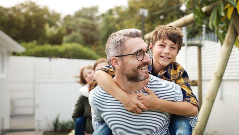 Welche Erbanlagen gibt der Vater an seinen Nachwuchs weiter?