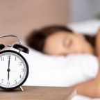 Gesunder Schlaf: Was in den verschiedenen Schlafphasen mit unserem Körper passiert