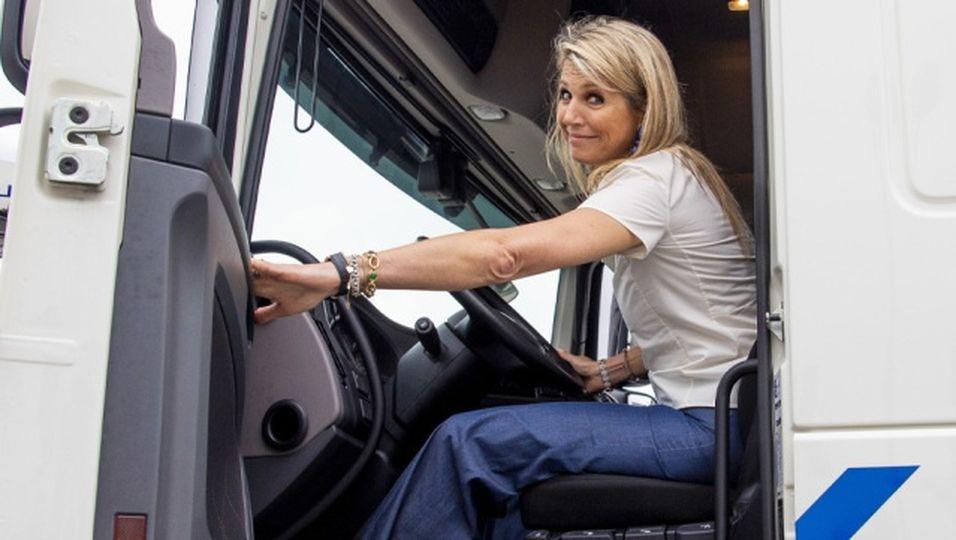 Von der Königin zur Trucker-Braut - und das auch noch barfuß!