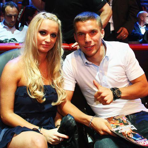 Monika Puchalski verdient ihr Geld als Kosmetikerin. Seit 2004 sind die hübsche Blondine und Lukas Podolski ein Paar.
