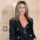 Jennifer Aniston: Gekonnt kombiniert - sie entdeckt den Blazer-Klassiker neu
