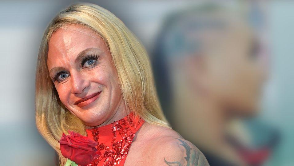Diese Liebe geht unter die Haut: Sie hat sich ein neues Tattoo stechen lassen