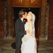 Soooo schön: Auch Gwen Stefani heiratet schon elf Jahre zuvor in einer Robe von Skandal-Designer John Galliano.