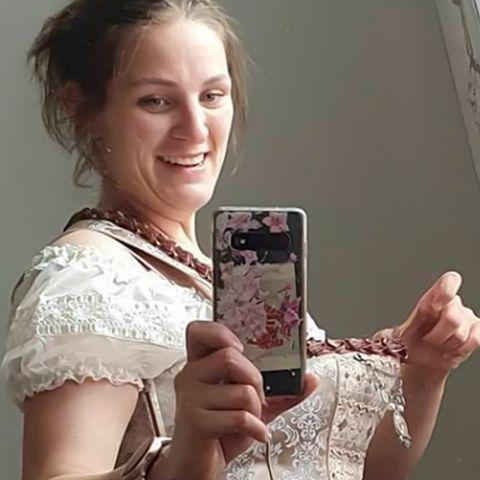 Nach Abnehmerfolg passt sie nicht mehr in ihr Hochzeitskleid