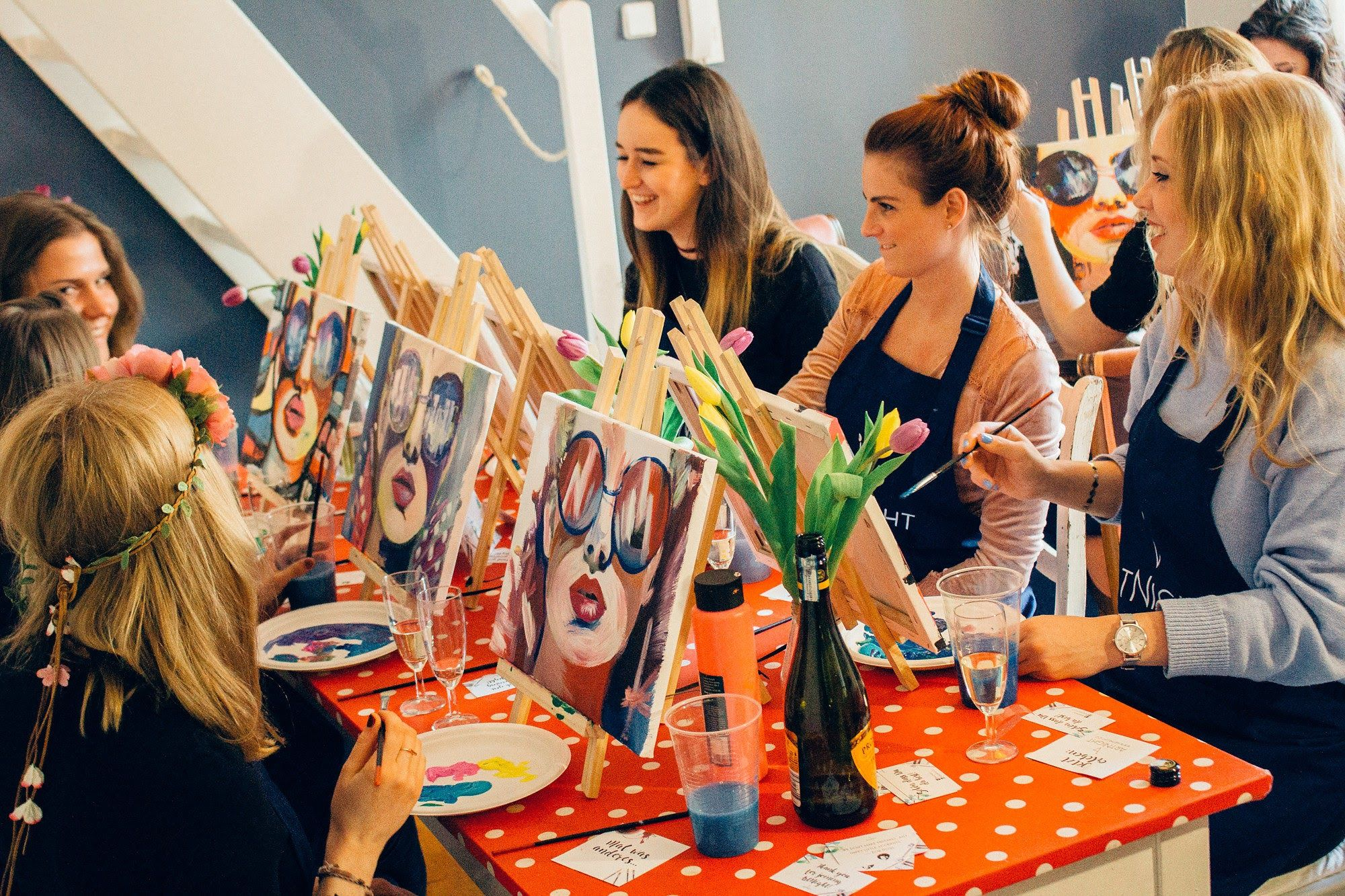 Frauen malen bei ArtNight