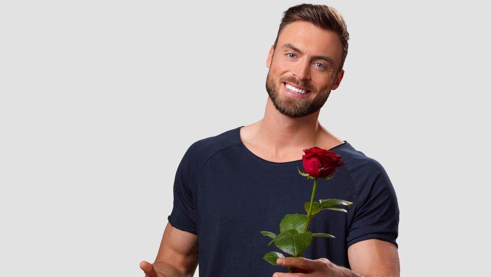Sixpack & Reiselust: So tickt der neue Bachelor Niko Griesert