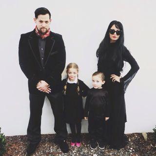 The Madden Family: Nicole Richie, Joel Madden und die Kinder im düsteren Partnerlook.