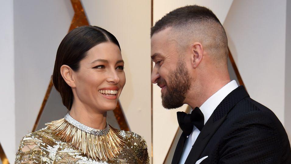 Hier vermasselt er seiner Jessica den Oscar-Auftritt