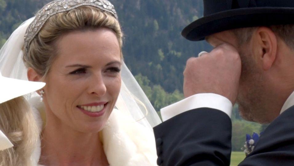 Tiara, Kutsche & Tränen: ihre Märchenhochzeit in Oberbayern!