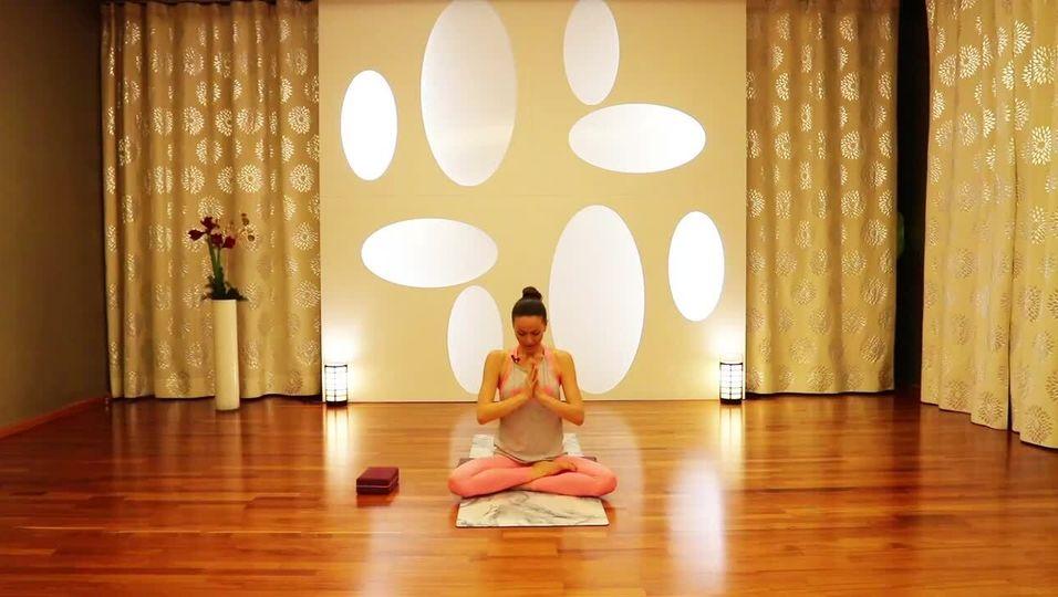 Kate Hall: Weight Loss Yoga