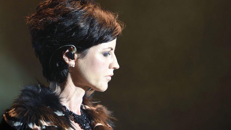 """""""The Cranberries"""" Dolore O'Riordan (†): Die Todesursache steht fest: """"Es war ein tragischer Unfall"""""""