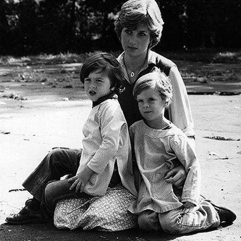 Lady Shy: Als der Hof 1981 die Verlobung bekannt gibt, arbeitet die scheue Diana im Kindergarten.