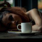 Frau verzichtet auf Kaffee
