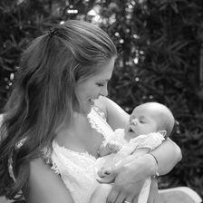 Wie süß! Madeleine von Schweden ist ganz vernarrt in ihre kleine Tochter Leonore.