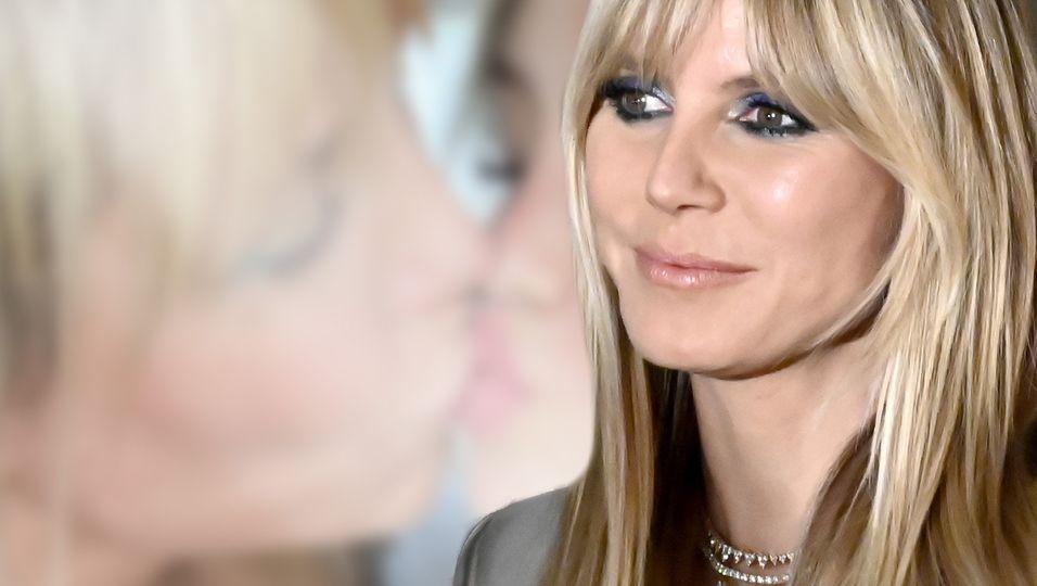 Auf den Mund: Küsschen für Tochter Leni
