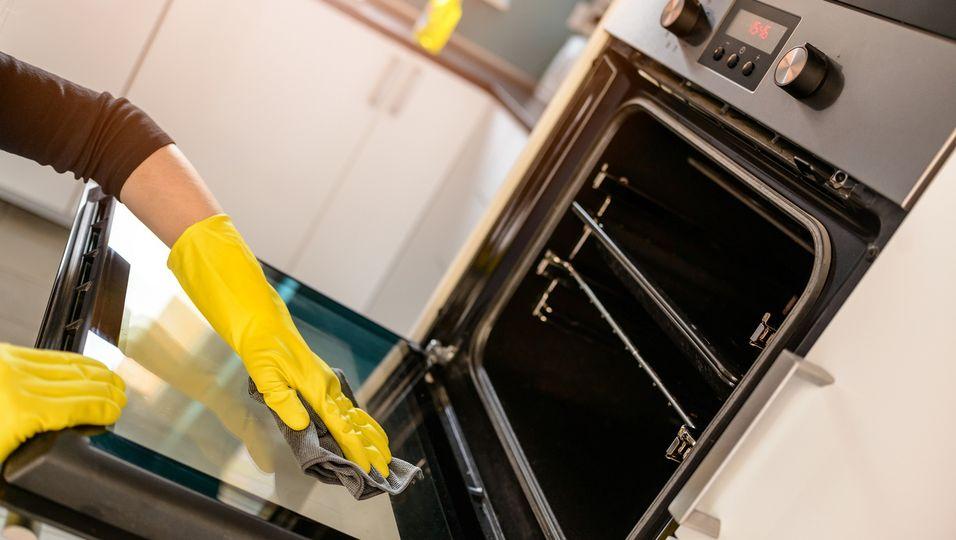 Gummihandschuh Ofen Reinigung