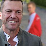 Lothar Matthäus - Schelmisches Grinsen & Fußball-Outfit! Sohn Milan sieht aus wie er