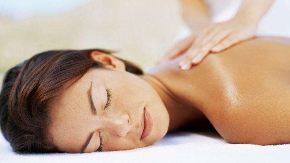 Massage - Sanft und energetisch: Die Bernsteinmassage