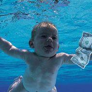 """Das Foto des damals vier Monate alten Spencer Elden machte das Cover von """"Nevermind"""" 1991 legendär."""