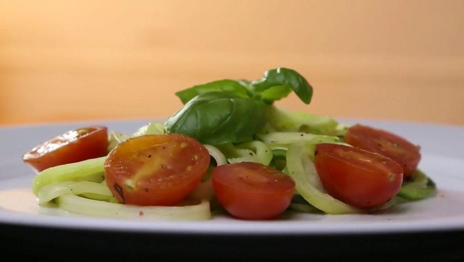 Low Carb-Rezept Zucchinipasta