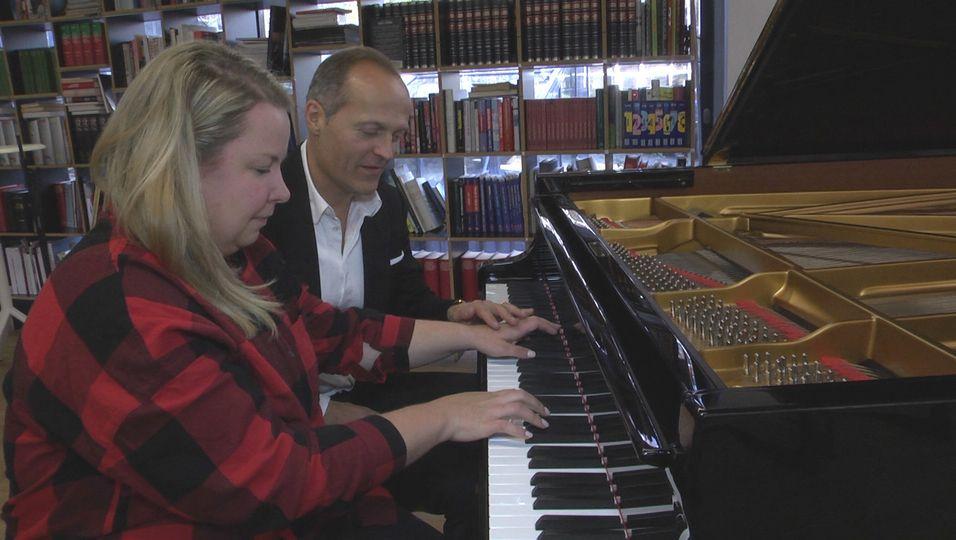In 15 Minuten Klavier spielen? Top, die Wette gilt!