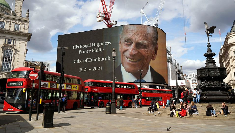 Großbritannien trauert: emotionale Bilder aus London